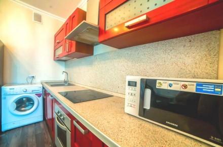 Просторная 1-комнатная квартира выполнена в современном стиле и расположена на 5. Приморский, Одесса, Одесская область. фото 7
