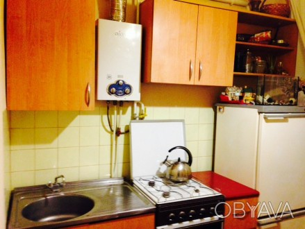 Двухкомнатная  квартира общей площадью 42 кв.м. на первом этаже четырех-этажного. Чернигов, Черниговская область. фото 1
