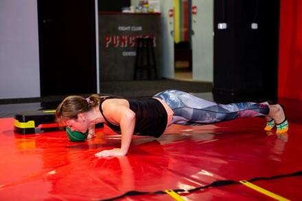 Приглашаем девушек от 16 лет на тренировки по Fighting girl на поселке Котовског. Одеса, Одесская область. фото 7