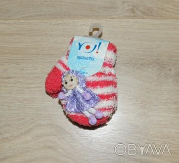 Мягкие махровые удобные варежки в полоску для маленькой принцессы с игрушкой в в. Киев, Киевская область. фото 1