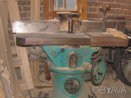 Продам деревообрабатывающий станок вертикально-фрезерный